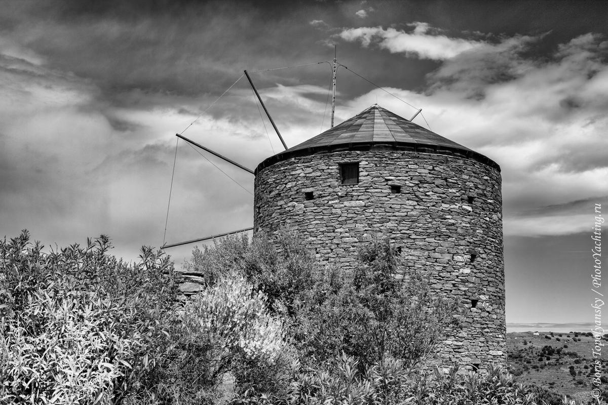 Kea, Cyclades. Photo by Boris Topolyansky